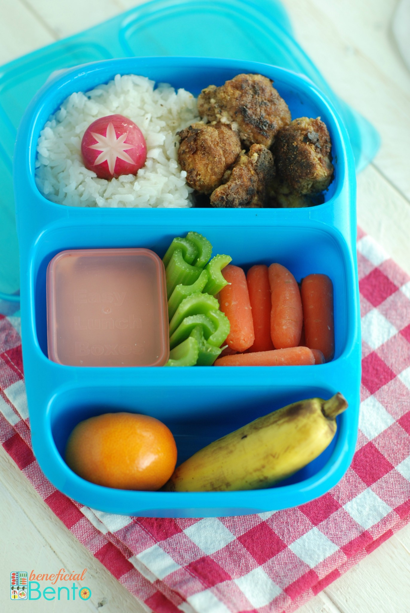 lunch box legends lunch boxes all things about litter less and toxin free lunches. Black Bedroom Furniture Sets. Home Design Ideas